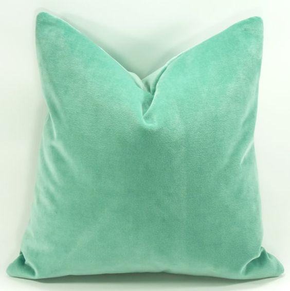 Decorative Pillows With Zippers : Decorative Velvet Pillow Cover 18x18 Hidden Zipper by LusterHome, $35.00 PILLOWS Pinterest ...