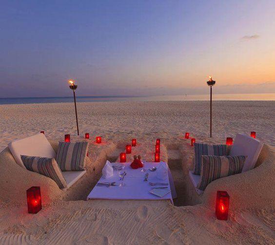 Sand Castle Dining....**ahhhhhh**