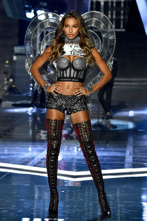 All The Looks From The 2017 Victoria S Secret Fashion Show In 2020 Victoria Secret Fashion Show Victoria Fashion Fashion