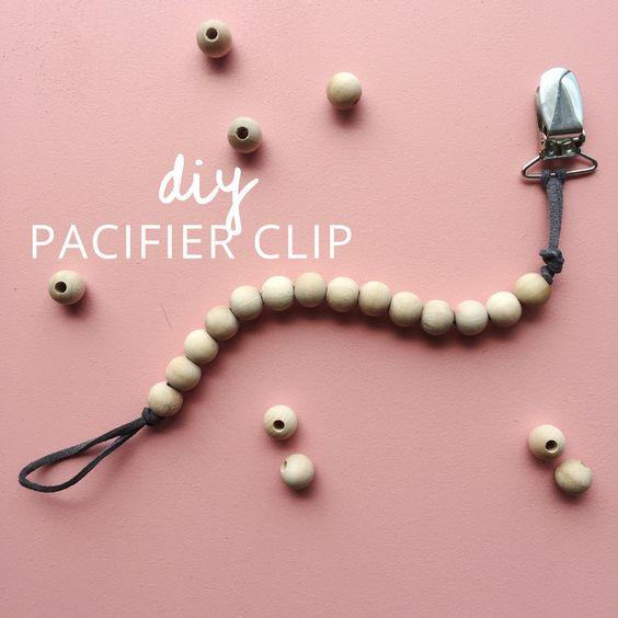 Diy neutral pacifier clip. Tutorial on myonlysunshineblog.com