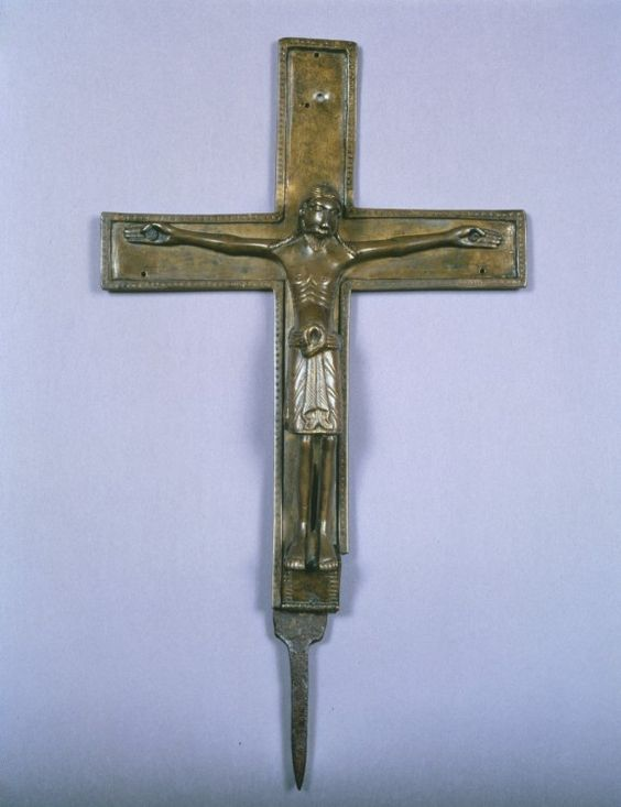 Crucifix Mid-1100s French or German  Bronze with iron pin, 35 x 19.8 cm.jpg (577×750)