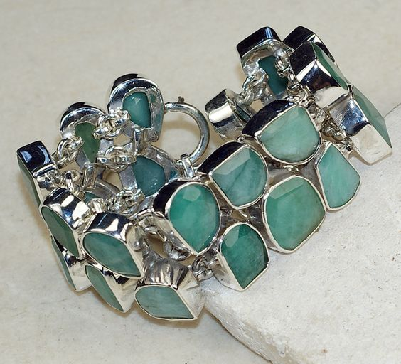 Emerald bracelet designed and created by Sizzling Silver. Please visit  www.sizzlingsilver.com. Product code: BR-8190
