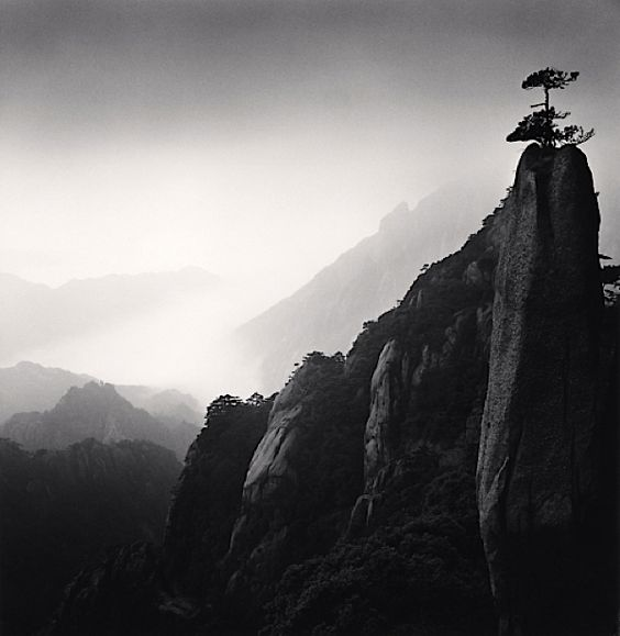 © MICHAEL KENNA, Huangshan Mountains, Study 25, Anhui, China, 2009 (courtesy of the Robert Klein Gallery)