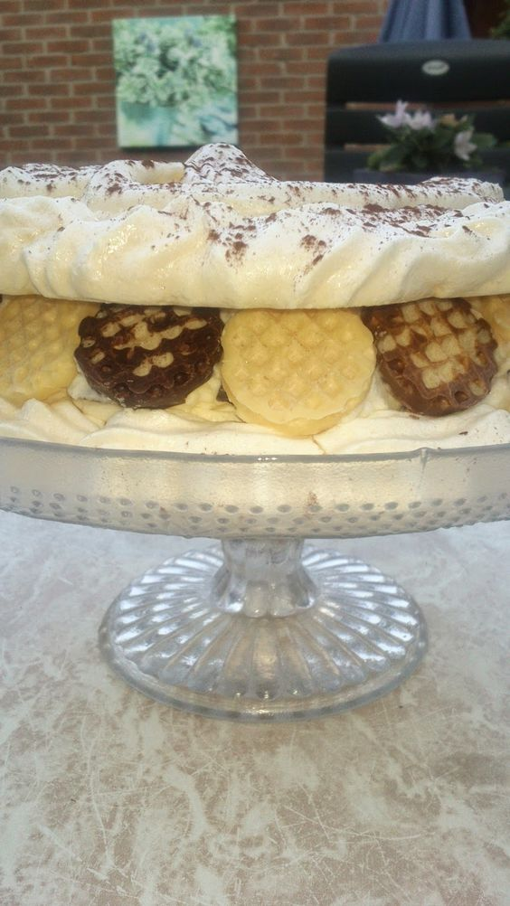 Negerzoen meringue taart, made by Kip&Cupcakes