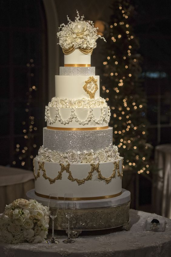wedding cake events dallas this gorgeous gold and white cake features layers 22573