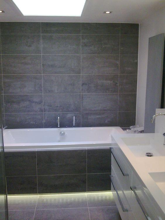 Lelijk hoe het niet moet badkamer grijze tegels badkamers wc 39 s pinterest - Wc c olour grijze ...