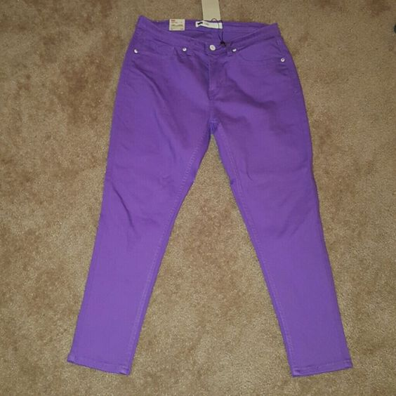 Jeans by Levi's Cropped purple denim (size conversion 9/10) Levi's Jeans Ankle & Cropped