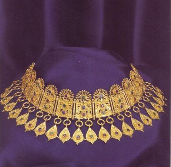Ancient Greek jewelry Pontika (Ukraina) 300 bC