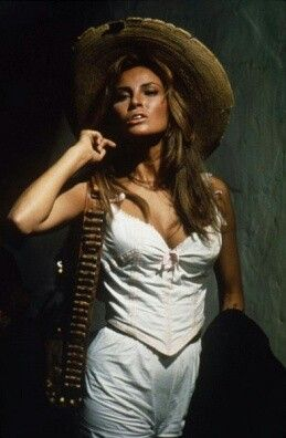 Raquel Welch 100 Rifles 1967