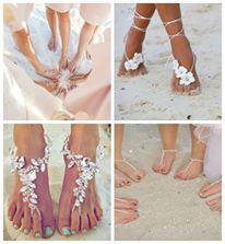 Ecco l'idea per tutte le prossime sposine e damigelle che organizzeranno il matrimonio ammirando il mare! Si chiamano #Barefoot #Sandals, e più che delle scarpe, sono dei perfetti #accessori da indossare per un #romantico #matrimonio in #spiaggia!  #fashion #wedding #lovely #beautiful #love #news #outfit #summer