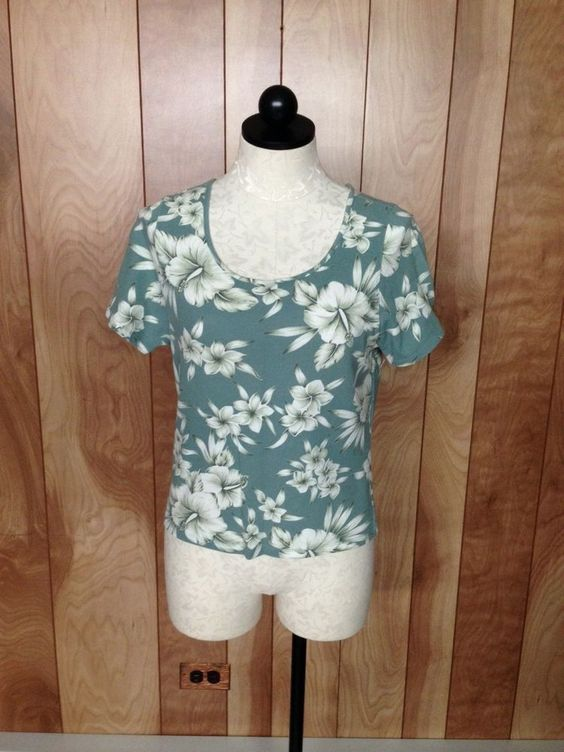 WOMEN'S TOMMY BAHAMA FLORAL TOP-SIZE: SMALL #TOMMYBAHAMA #KnitTop #Casual
