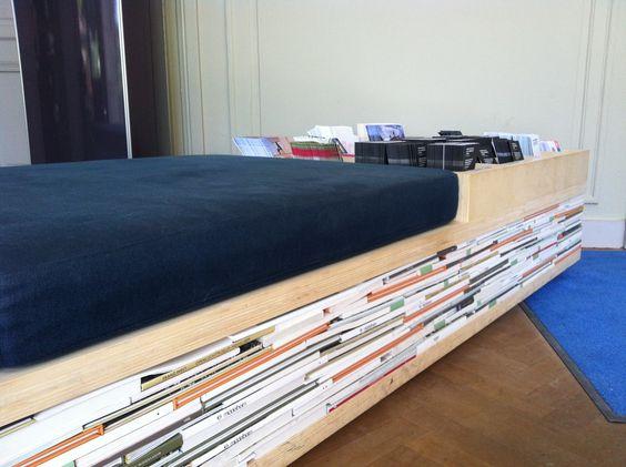 Book bench ofwel boekenbank in Museum Middelheim