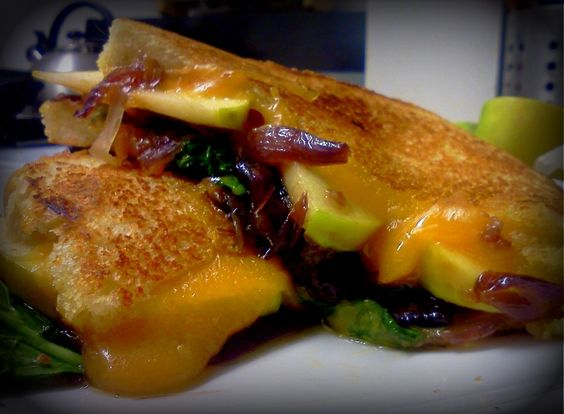 Apple, Kale & Cheddar Melt With Red Onion-Rosemary ...