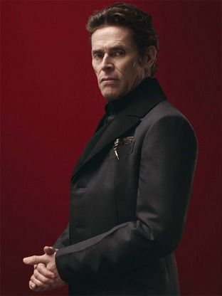 Willem Dafoe wears this suit sooo good! #menssuits #prada #fashion