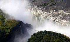 vista do olho dos pássaros sobre Victoria Falls