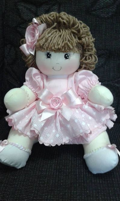 Patrón de una linda y dulce muñeca de trapo vestida de rosita y con pelo de lana. Materiales para pintar las caras de las muñecas de telaComo crear tus propios patrones de muñecas de telaDIY muñeca y muñeco piernas largasDiy Catrina, Muñeca de tela con patronesDIY como hacer una muñeca aromáticaComo hacer una …