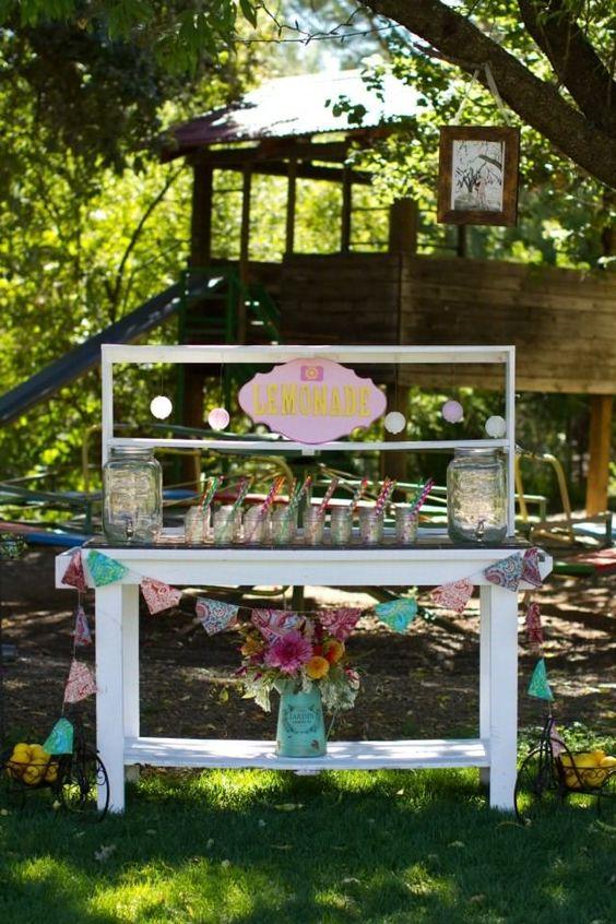 DIY lemonade stand!