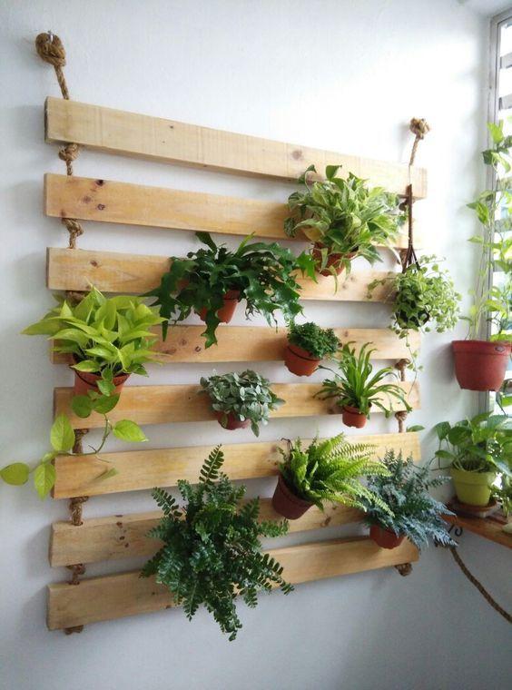 Beautiful Diy Vertical Pallet Garden Ideas That Will Save You Money And Space Balcony Garden Diy Indoor Garden Apartment Plants