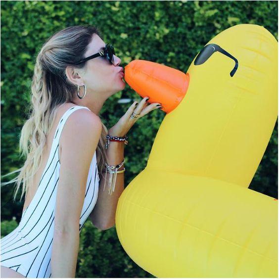 Bouée Canard Géante #duck #canard #bouee #summer