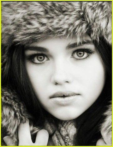 India Eisley! Really really love this pic