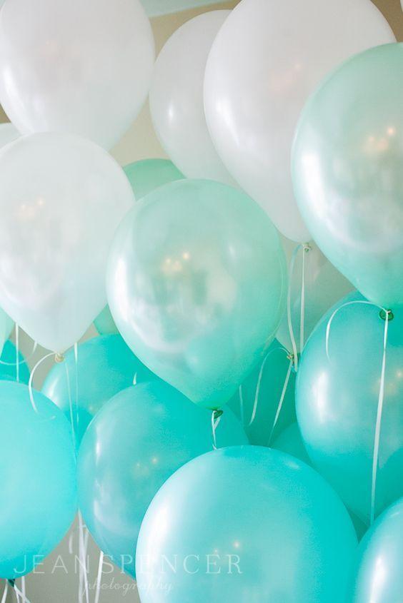 Tiffany's blue ombre balloons. So pretty at a Tiffany themed birthday party!