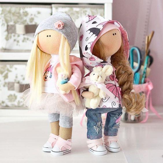 В детстве мы все играли в куклы И у каждой из нас наверняка была своя особенная, неповторимая и самая любимая куколка Чтобы попасть в детство не обязательно быть ребёнком... Волшебство - это состояние души Подарите себе или своим дорогим частичку радости✨, нежности и любви Мои куколки могут быть похожи на вас, а могут быть воплощением фантазий Этот необычный подарокдля тех, у кого все есть☺️ Если вы верите в чудеса и хотите делиться ими с другими - мои куколки однозначно для вас: