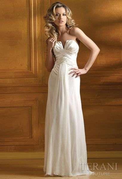 Hermosos vestidos blancos para fiesta de noche 2013  http://vestidoparafiesta.com/hermosos-vestidos-blancos-para-fiesta-de-noche-2013/