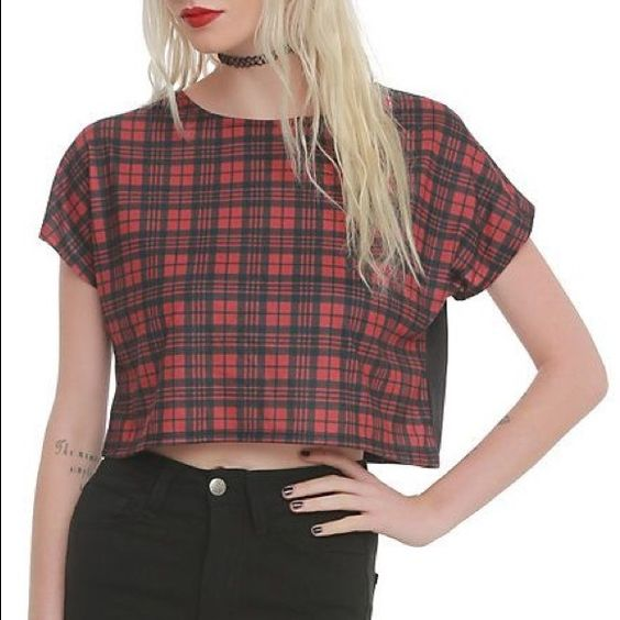 Plaid crop top  Casual plaid crop top, fits size small. Tags: grunge, goth, crop Tops Crop Tops