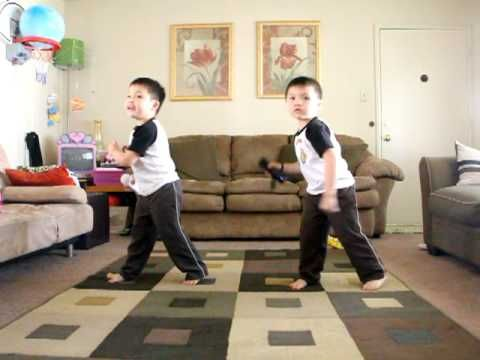 """stinking cute!!!  made me laugh.. Twins Justin  Jeremy dancing to """"Hey Ya"""""""