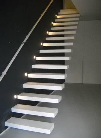 Deze 39 zwevende 39 trap staat prachtig in een modern ingerichte woning modern pinterest modern - Moderne trapmodel ...