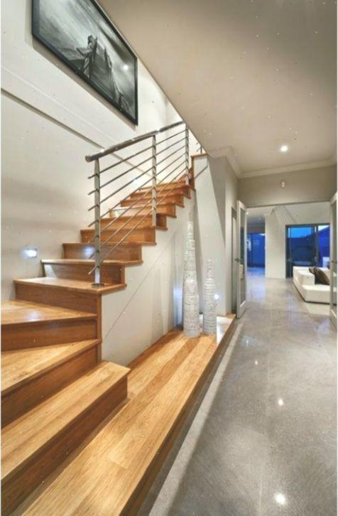Modernes Treppen Design Eine Tolle Kombi Aus Holz Und Fliesen Treppenhausdesign Straightstaircasedesign Stairs Design Stairs Design Modern Modern Stairs