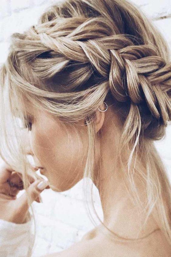 2 Easy Hairstyles To Succeed On Valentine S Day Hairstyle Women Pinterest Geflochtene Frisuren Brautfrisur Flechtfrisuren