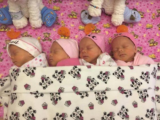 Mulher dá à luz quadrigêmeas idênticas menos de um ano após se casar