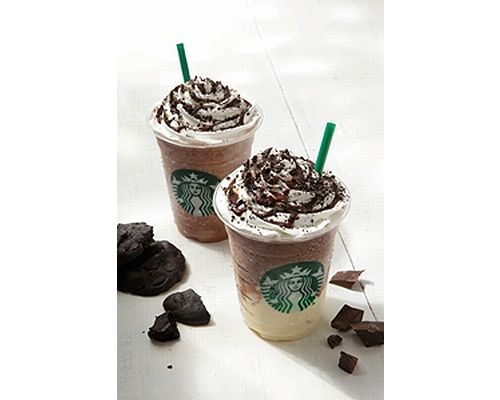 chocolate cookie crumble frappuccino with white chocolate pudding in Japan