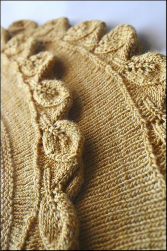 Cedar Leaf shawlette in Sand.
