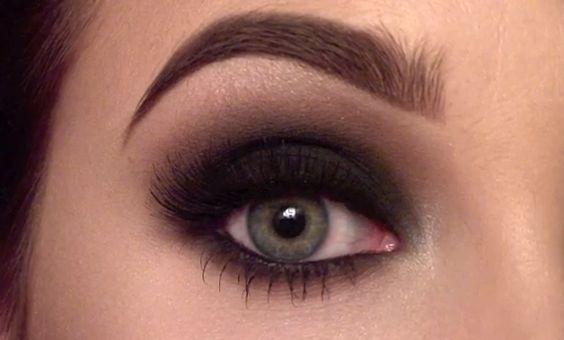 Classic smokey eye