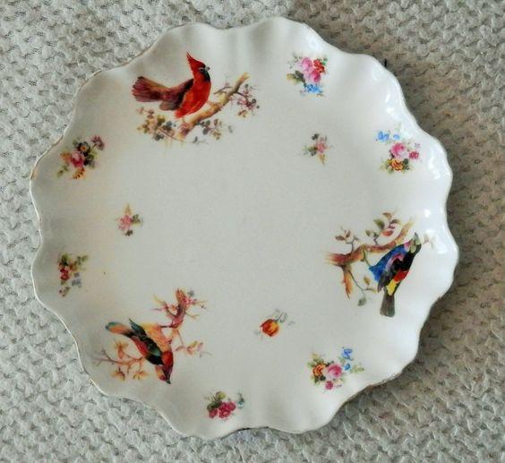 Assiette en porcelaine anglaise ROYAL-DOULTON Marquée et numérotée au dos (voir…