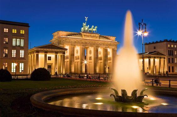 Berlín, los nuevos barrios e iconos arquitectónicos · PUERTA DE BRANDEMBURGO