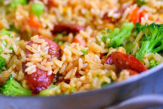 Need a quick dinner?  Cheesy kielbasa, rice, & broccoli bake===>