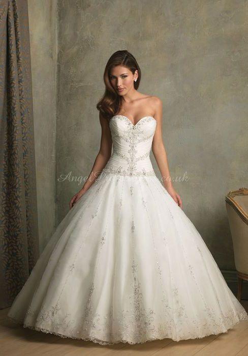 Organza Ball Gown Sweetheart Sleeveless Chapel Train With Applique Wedding Dress