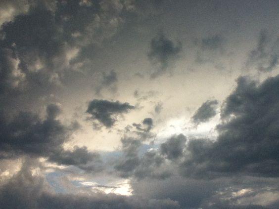 un cielo lleno de nubes  :) en el estado de México