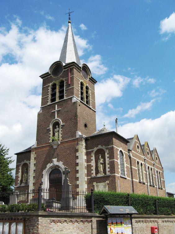 Igreja de Santa Cruz em Jesseren, Borgloon, província de Limburg, região de Flandes, Bélgica.  Fotografia: Sonuwe.