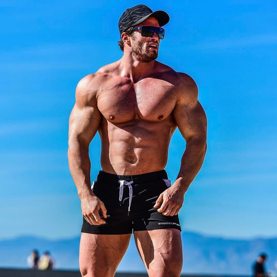 "89.6k Likes, 789 Comments - Calum Von Moger 🇦🇺 (@calumvonmoger) on Instagram: ""Back in LA after a great weekend at the Arnold classic. Had a lot of fun meeting everyone at the…"""