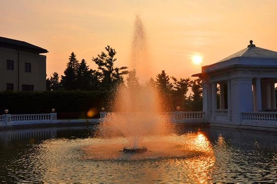 Water fountain at the Hershey Hotel at sunset
