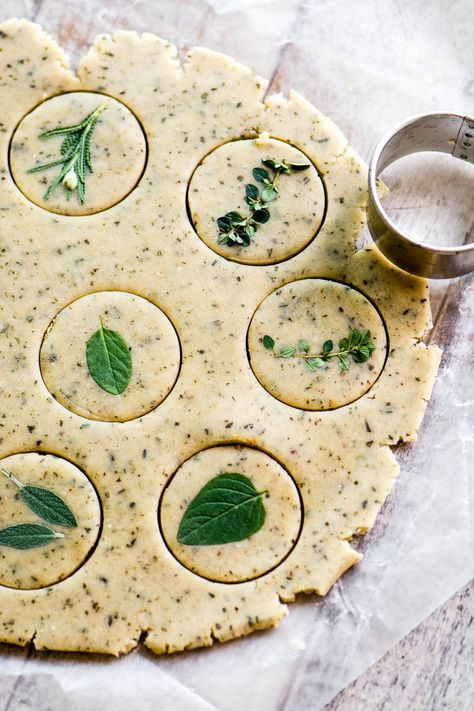 Coloque Esses Bolinhos Amanteigados De Bolinhos De Ervas Healthy Food Snacks Healthy Bites Cleaneating Healthyrecipes Snack Savory Herb Recipes Food