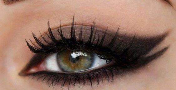 Le double trait d'eyeliner pour un regard sexy !