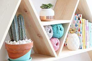 Decoração:+Triangle+shelf