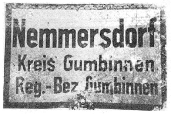 900-0084 Das Ortsschild von Nemmersdorf.jpg