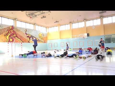 Botellas Tumbadas 1 2 00183 Basketball Court Youtube Sports