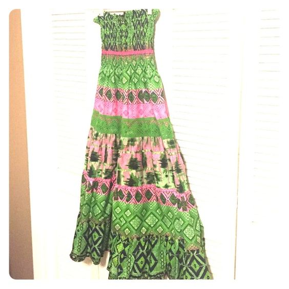 Strapless Summer Dress Great for summer and for the beach! Brightly colored with pink, green, and navy blue. Does not still have the tags but has never been worn. She'scool Dresses